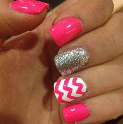 Glitter Chevron Acrylic Nails Chevron And Glitter Nails