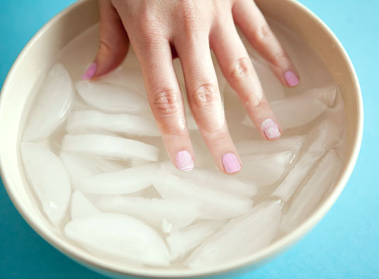 Nail Art in Ice Water for dry