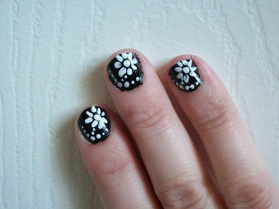 Nail Polish Designs With Flowers To Bend Light