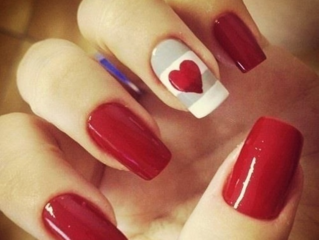 Simple and beautiful Red color nail art designs