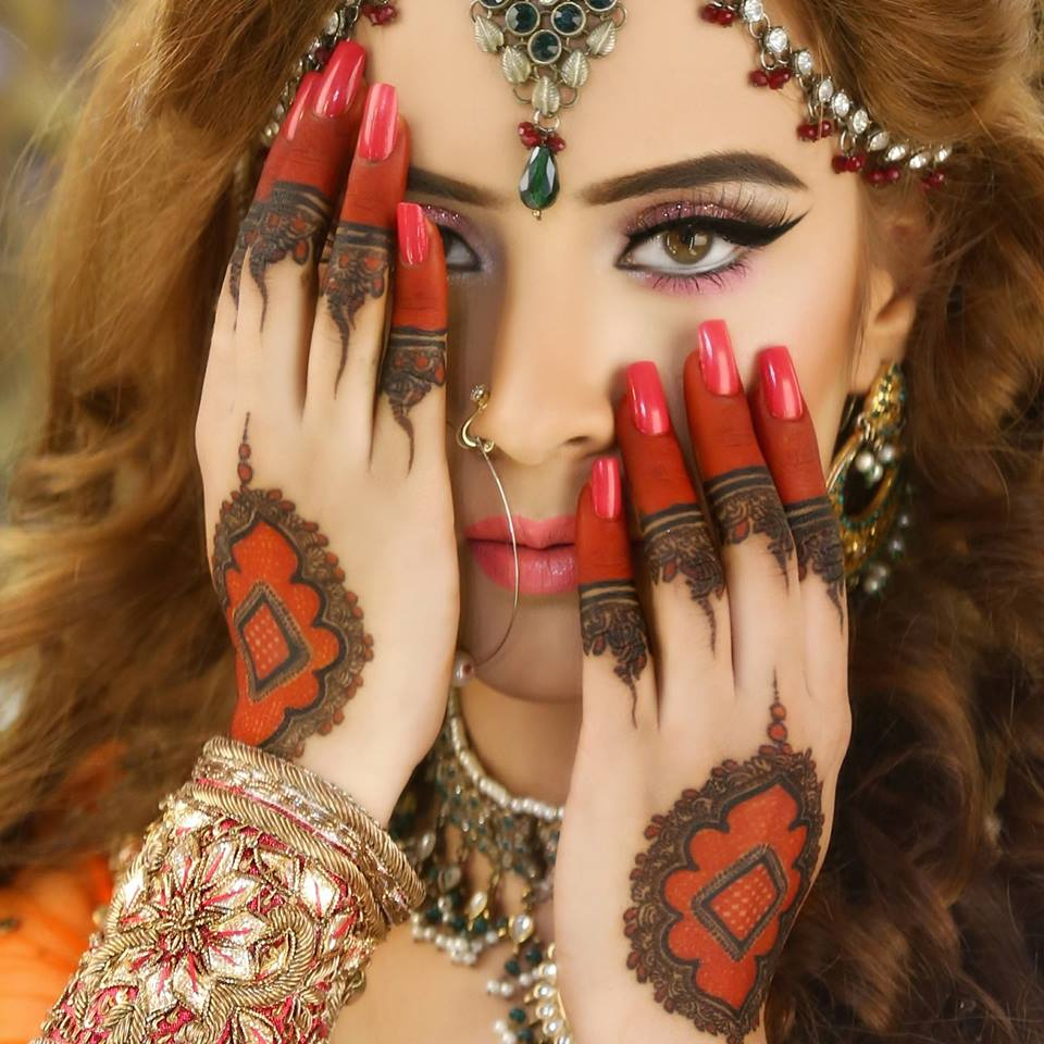 Top 10 Fabulous Mehandi Designs For All Occasions